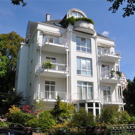 3 Zimmer Luxuswohnung mit herrlichem Garten