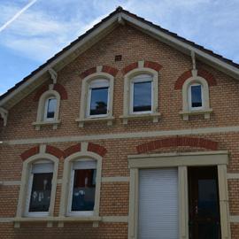 Wohn-und-Geschäftshaus Baujahr 1901 - 2 Häuser