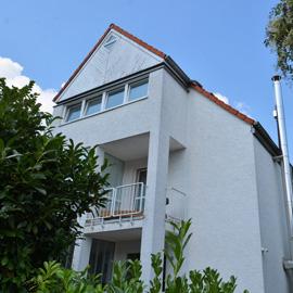 Helles, modernes Haus - mit Einliegerwohnung und Kamin