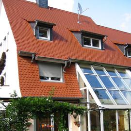 Doppelvilla mit Pool und Südgarten