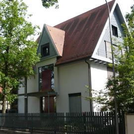 2ZKB-Einliegerwohnung in wunderschöner Villa