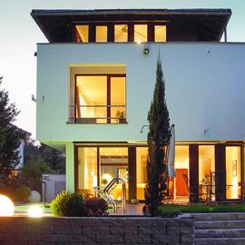 Moderne Luxus-Villa mit hightech Ausstattung