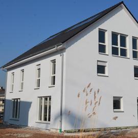 Neubau - großzügige Doppelhaushälfte für Familien