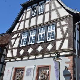 Altstadtjuwel - DG-Wohnung zum Verlieben